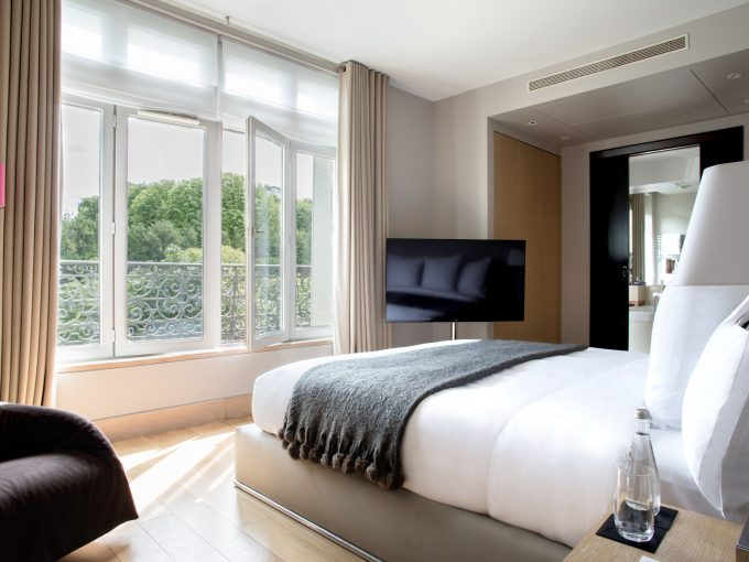 Four Bedroom Paris apartment, fully serviced by La Reserve Hotel