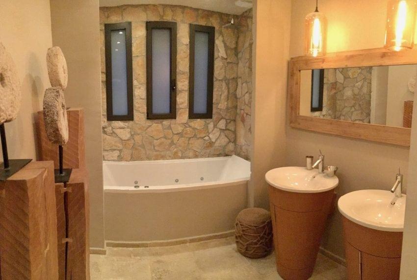 Guest Room GF - Bathroom jpg-min