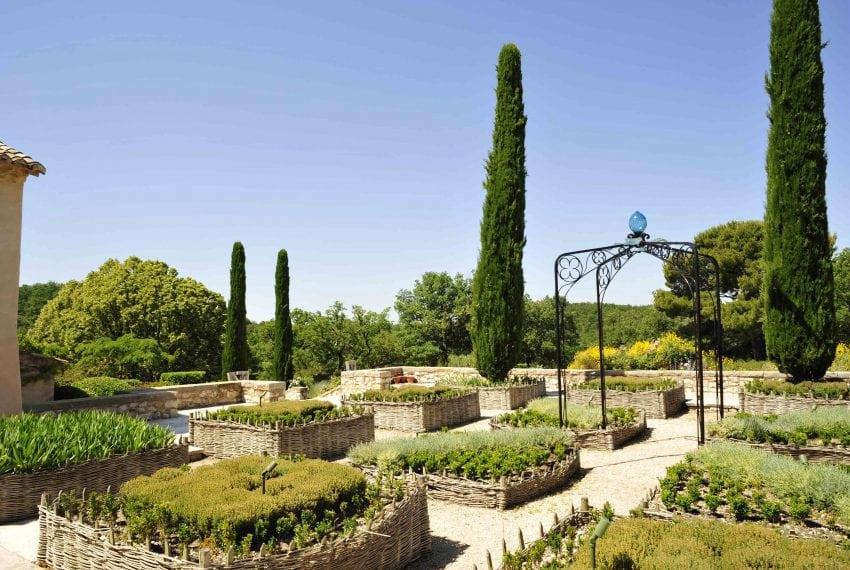LV - Medieval garden 1