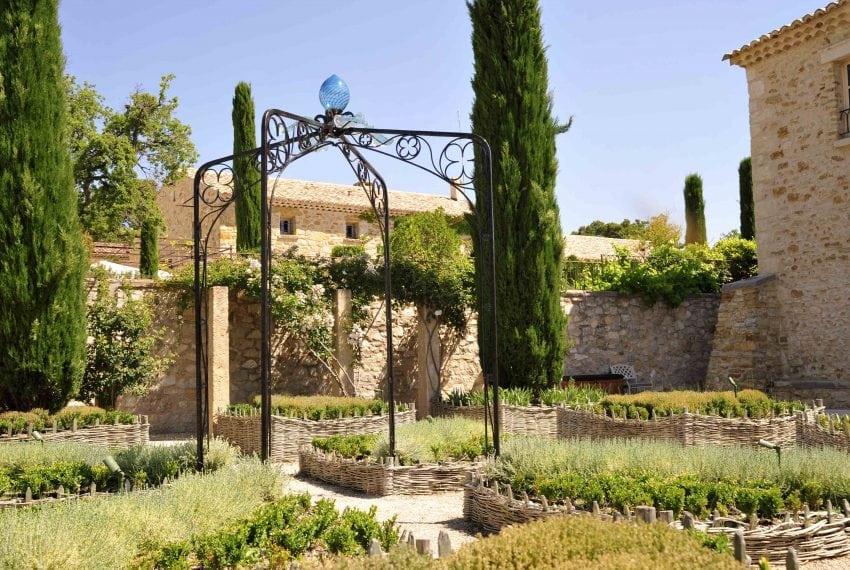 LV - Medieval garden 2