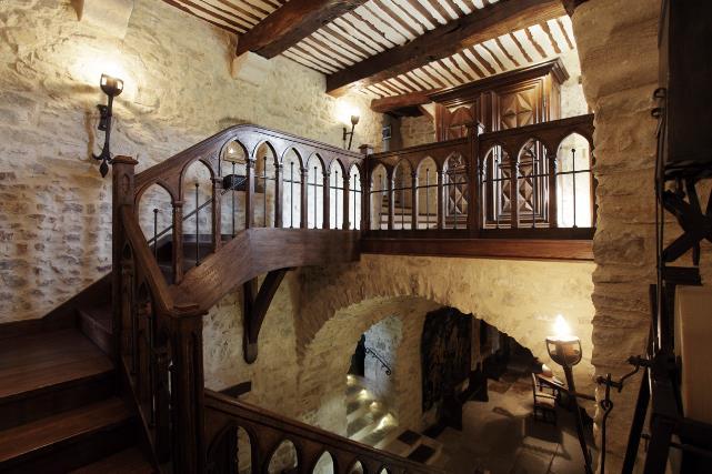 LV - staircase