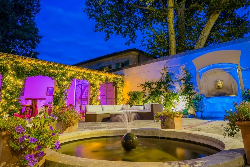 Courtyard Chateau 2-min