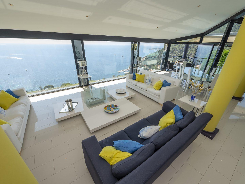 Luxury, contemporary Cote d'Azur villa, Eze Bord de Mer, sleeps 10, private pool