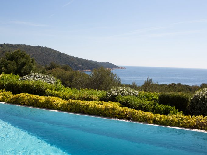 Luxury villa, sleeps 8, private pool, pool house, sea views