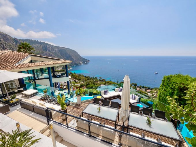 Luxury, contemporary Cote d'Azur villa, Eze Bord de Mer, sleeps 10, private pool
