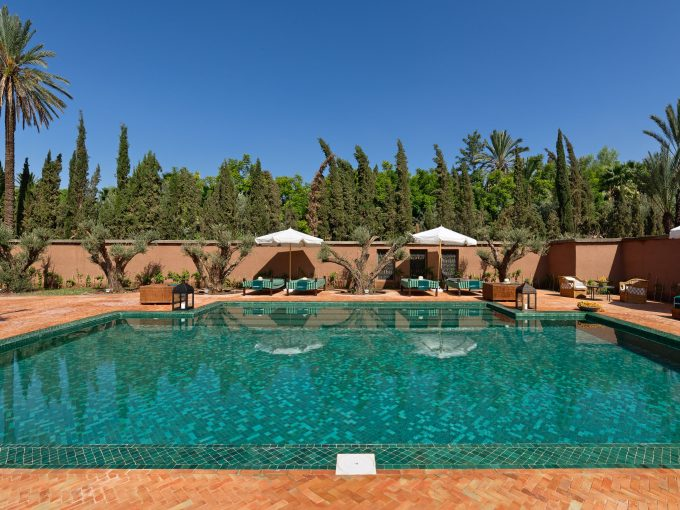 Luxury villa sleeping 6, 15 mins from Marrakech, fully staffed, chef, private pool and plunge pools, spa