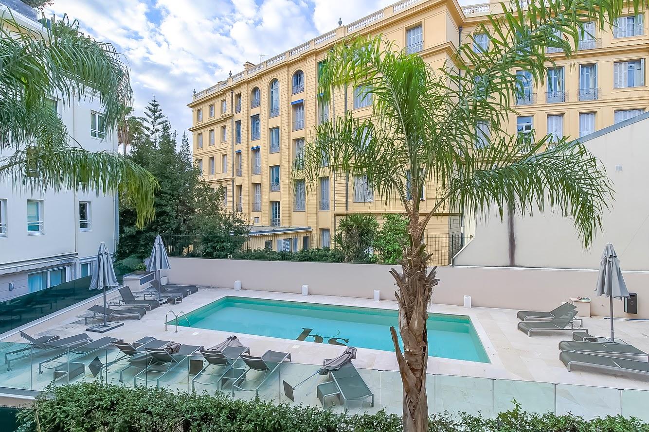 Beaulieu sur Mer, sleeps, four, apartment, pool, tennis club, beach