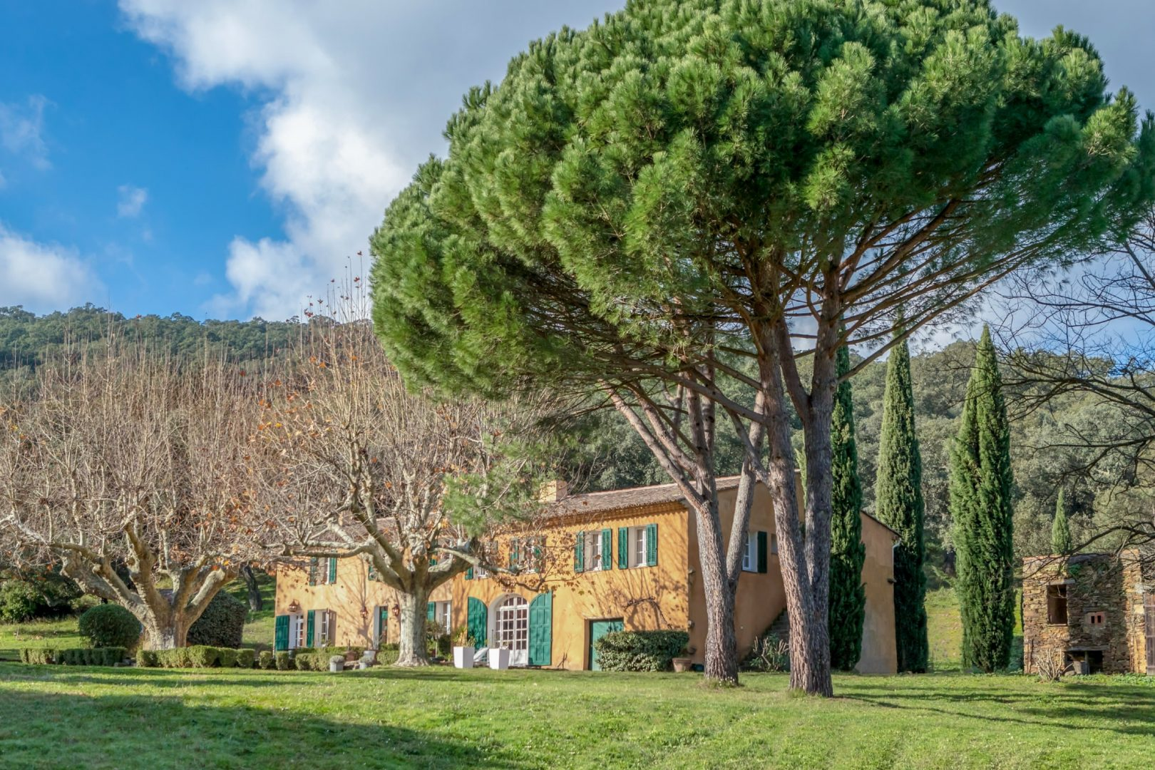 Provence villa sleeps 16, private pool, tennis nearby