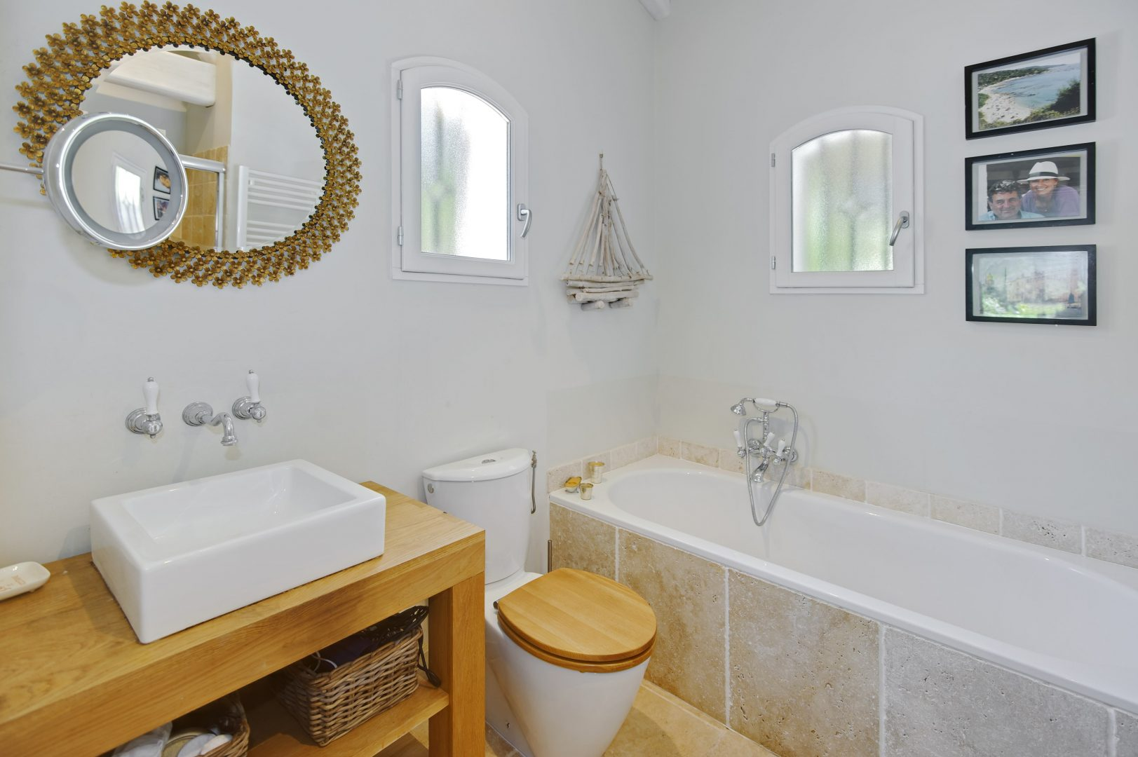 Luxury villa, St. Tropez, sleeps 8, private pool, air conditioning, walk to beach