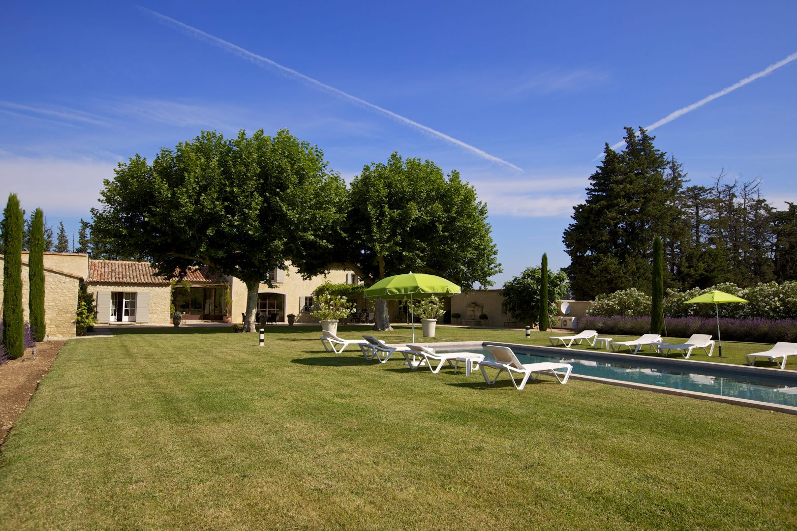 Luxury villa in Provence. Sleeps 10. Private pool. Pool House, Air Conditioning. Tennis nearby.
