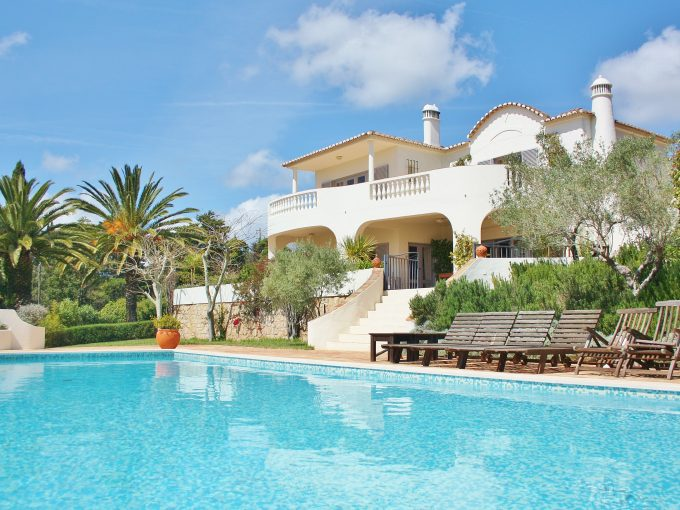 Luxury villa, sleeps 11, private pool, tennis court